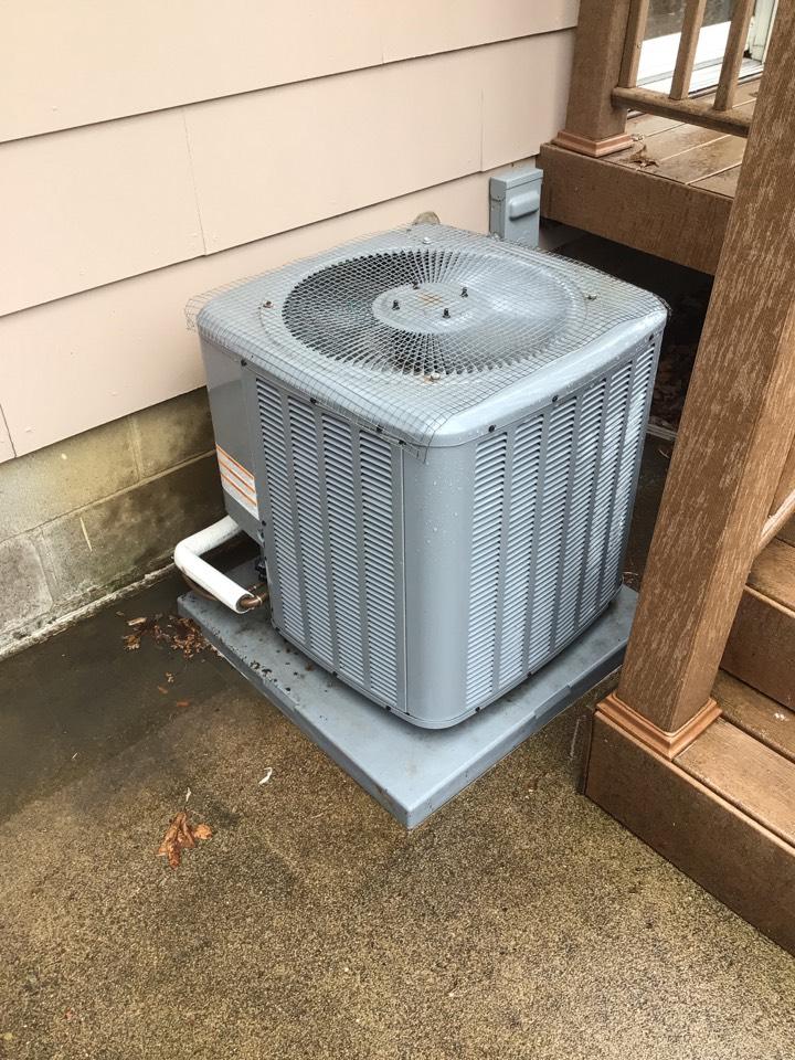 Champlin, MN - Daikin ac maintenance. Tune up on Daikin air conditioner