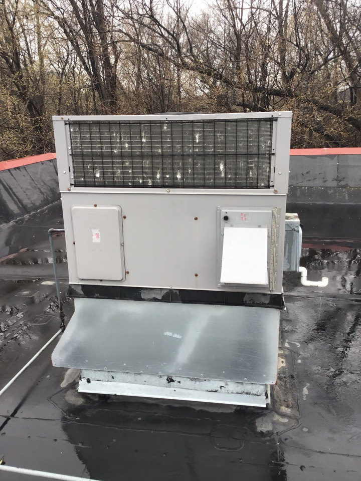 Plymouth, MN - I found dirty filters on a Bryant rooftop unit that were not allowing the unit to operate properly