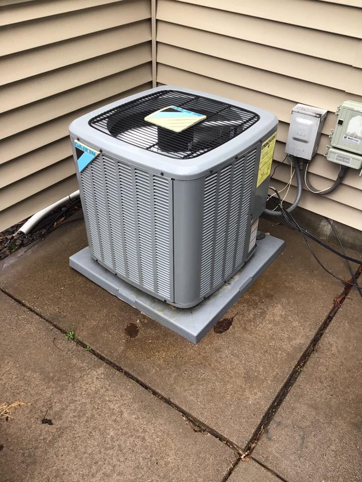 Eden Prairie, MN - Daikin air conditioner maintenance.