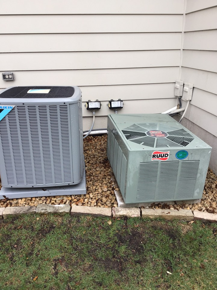 Edina, MN - I performed annual maintenance on a Daikin air conditioner and a Ruud air conditioner