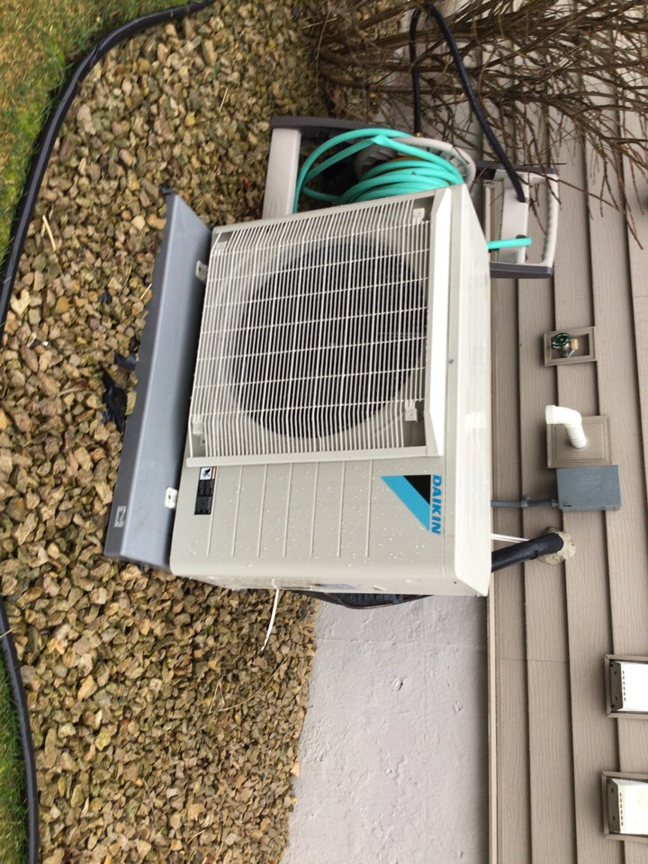 Rockford, MN - Daikin fit air conditioner precision tune up