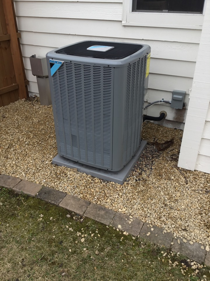 Maple Plain, MN - Performed maintenance on Daikin Air conditioner