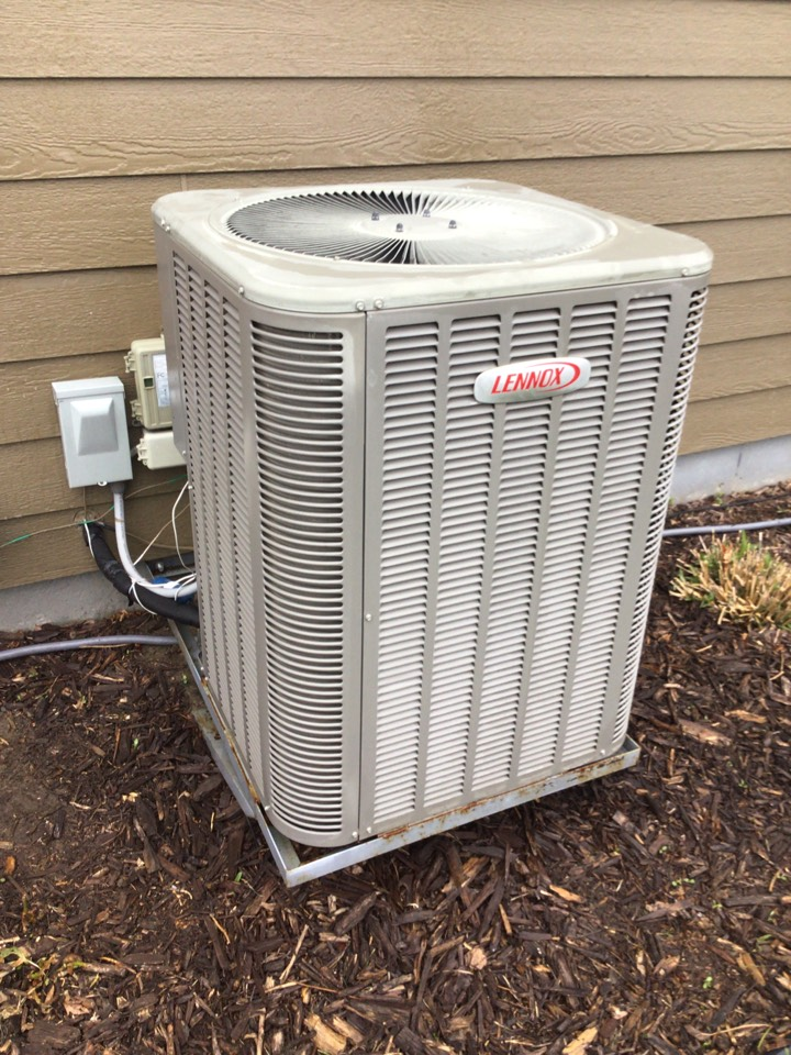 Plymouth, MN - Lennox air conditioner maintenance