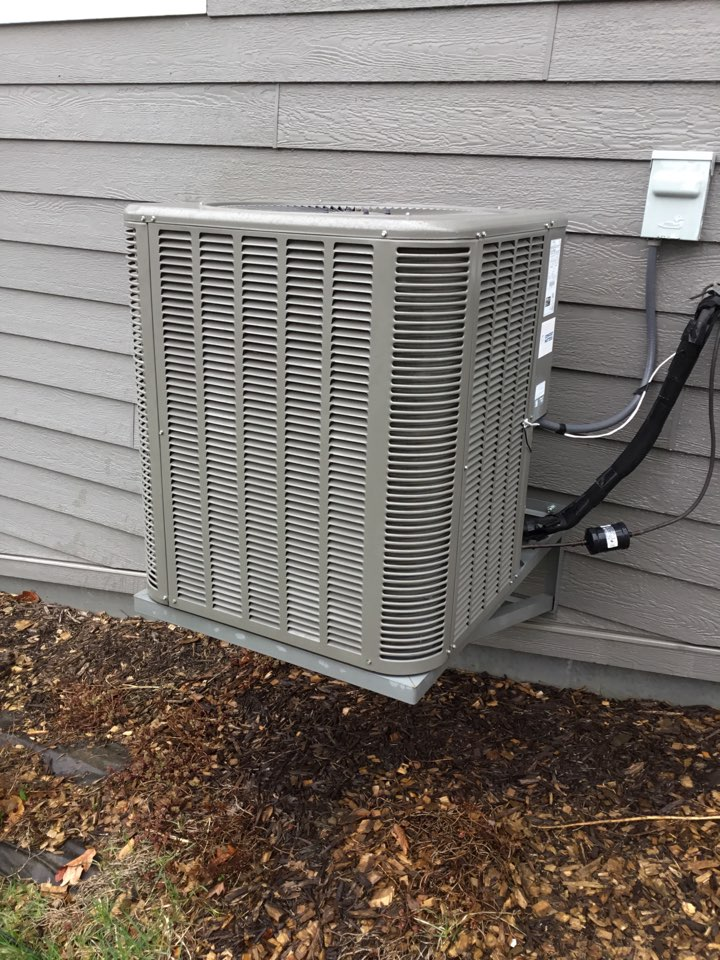 Plymouth, MN - Ac tune up. Performed maintenance on Lennox AC and replaced motor booster.