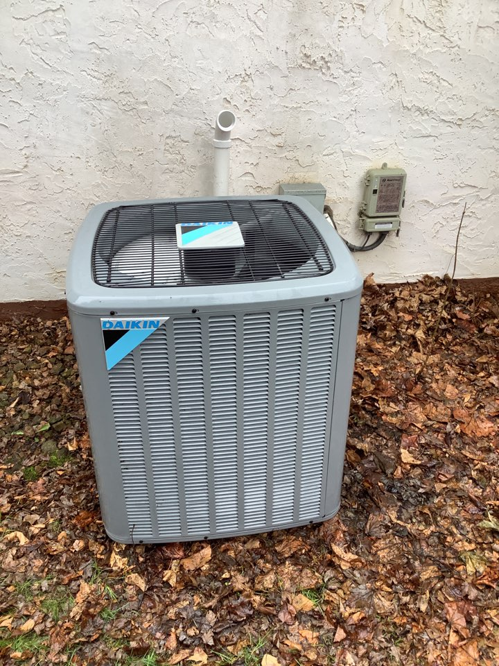 Maple Grove, MN - Performed ac tune up. Air conditioning precision tune up on Daikin unit.