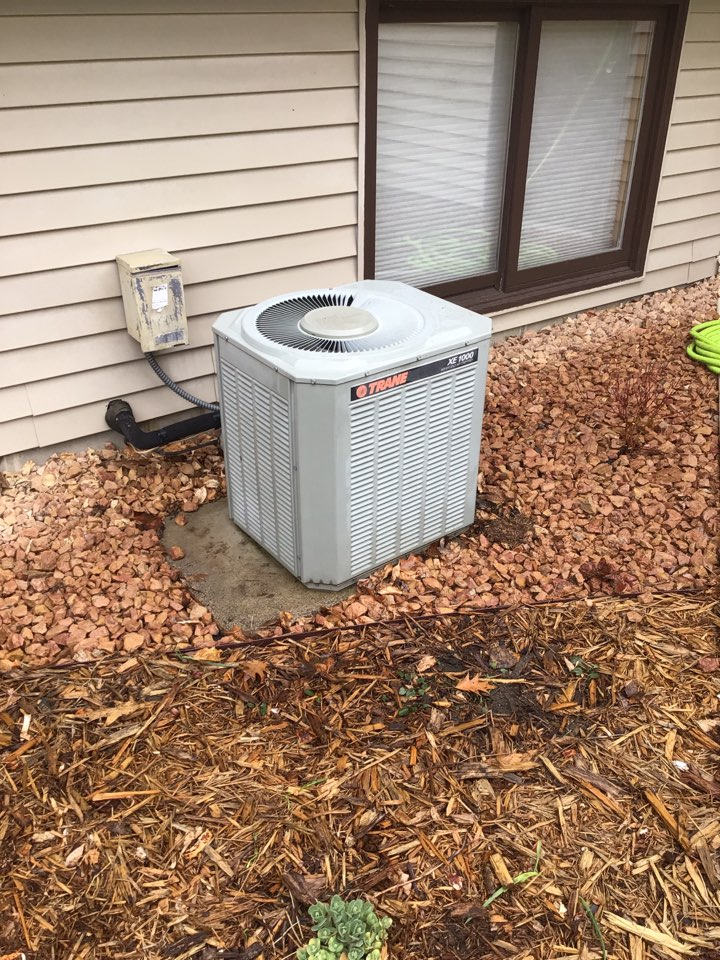 Maple Grove, MN - Trane air conditioner precision tune up