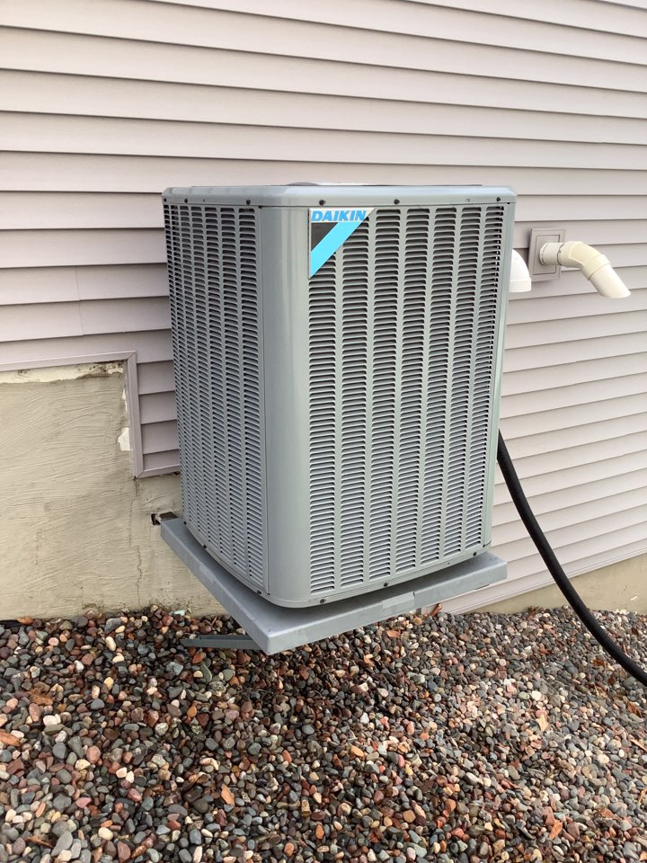 Maple Grove, MN - Performed ac tune up. Air condenser tune up on a Daikin unit.