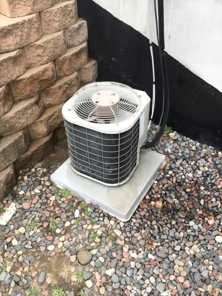 Otsego, MN - Ac tune up, performed maintenance on Bryant air conditioner.