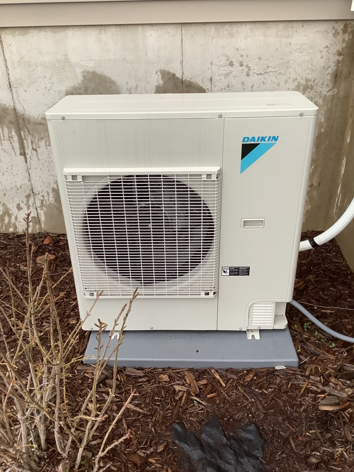 Elk River, MN - Air conditioning tune up. A/c tune up on a Daikin system