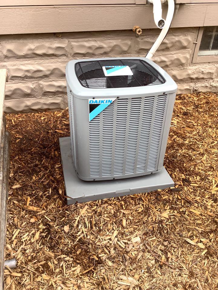 Wayzata, MN - Ac tune up. Air conditioner precision tune up on Daikin a/c