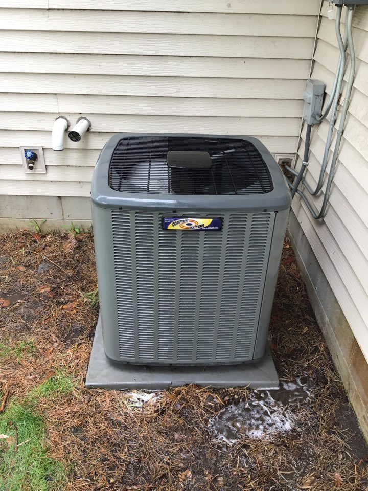 Monticello, MN - I performed annual maintenance on an Amana air conditioner