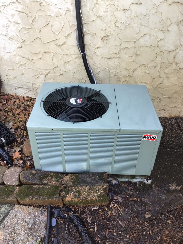 Golden Valley, MN - I performed annual maintenance on a Ruud air conditioner