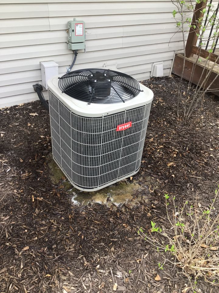 Brooklyn Park, MN - Bryant ac maintenance. Precision tune up on air conditioner