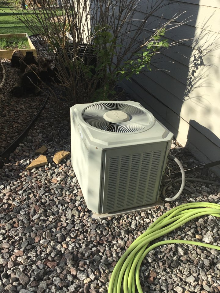 Rockford, MN - I diagnosed a Trane air conditioner low on refrigerant.