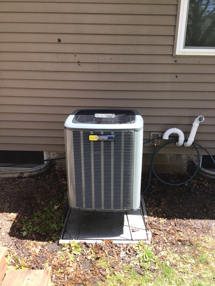 Rockford, MN - I performed annual maintenance on an Amana air conditioner