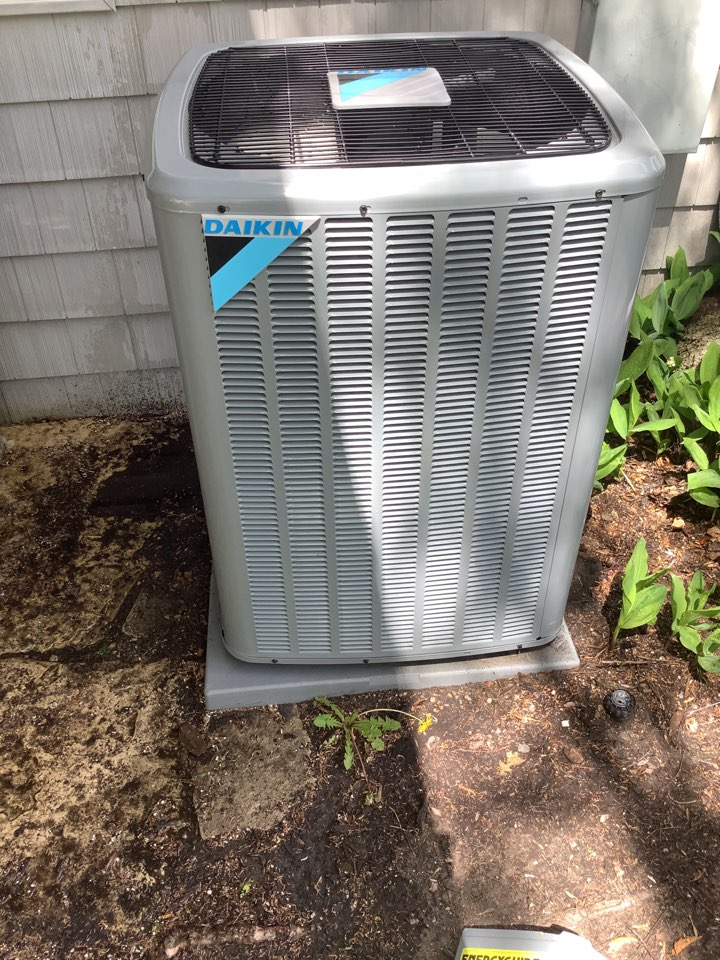 Champlin, MN - Ac tune up. Air conditioning precision tune up on a Daikin system