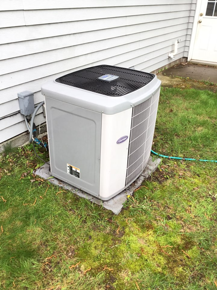 Coon Rapids, MN - Ac tune up. Performed maintenance on carrier air conditioner.