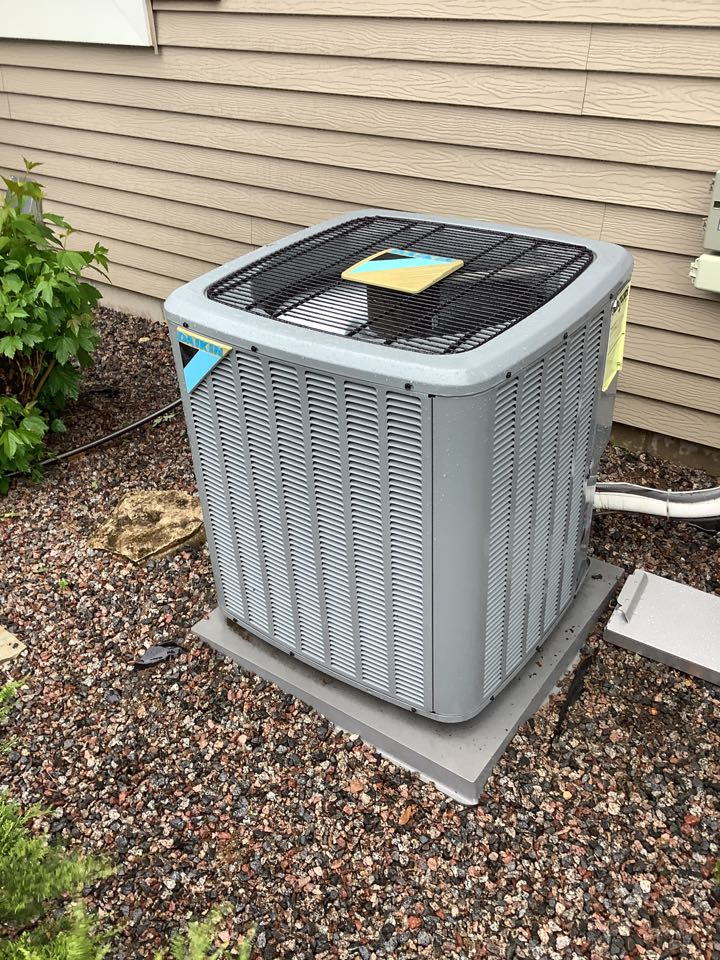 Rockford, MN - Ac tune up. Air conditioner precision tune up on a Daikin system