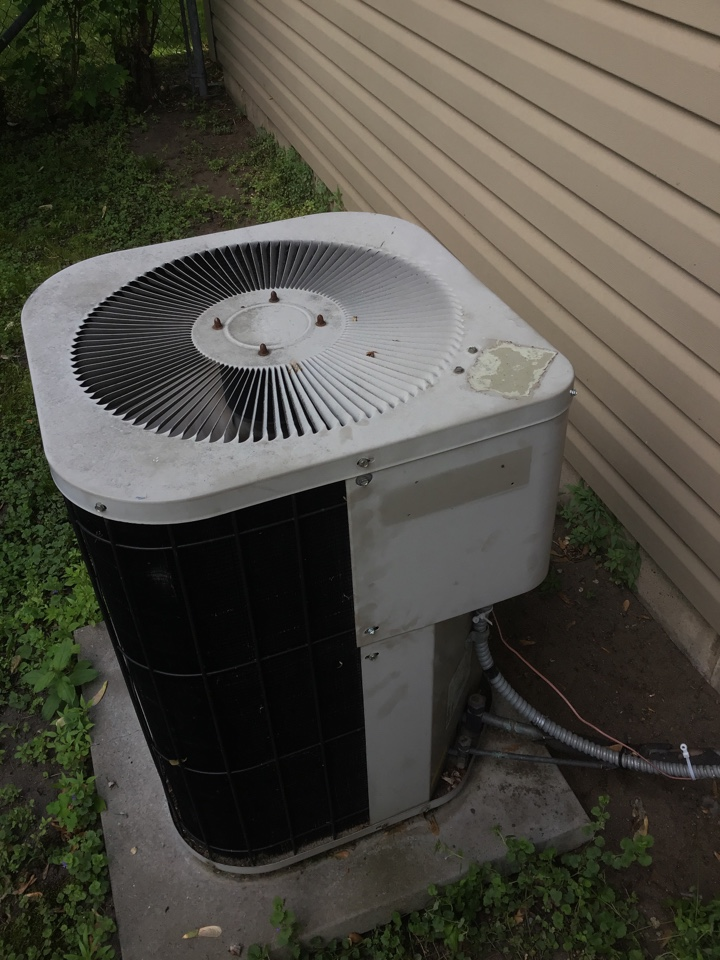 Coon Rapids, MN - Repaired damaged wires on a Goodman AC.