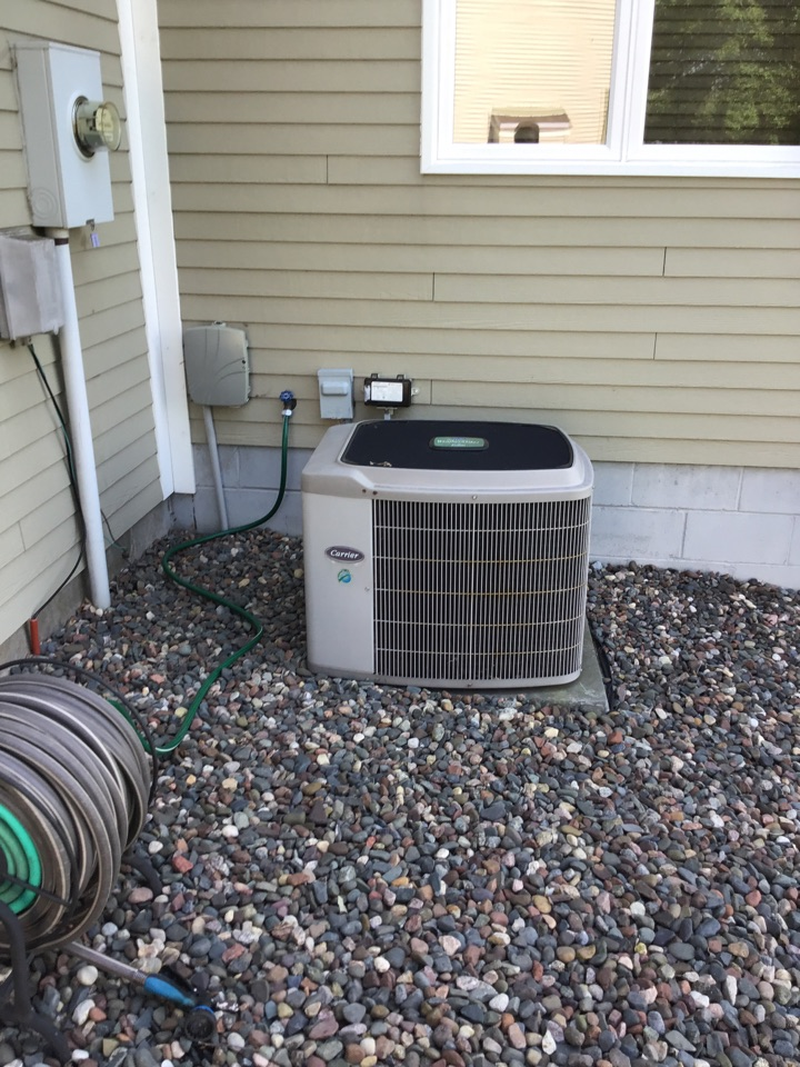 Brooklyn Park, MN - I diagnosed a failed motor booster on a Carrier air conditioner