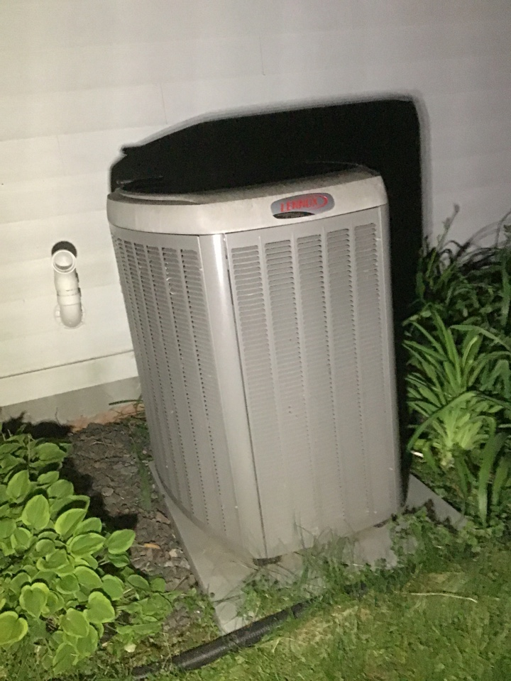 Medina, MN - Diagnosed a A/C low on Freon.