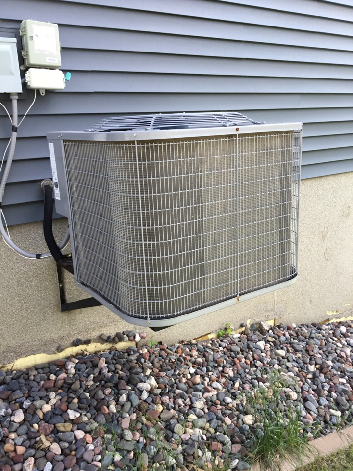 Rockford, MN - AC service. AC is up and running!