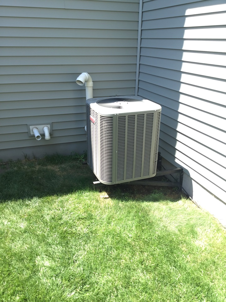 Elk River, MN - No cooling call. Bypassed pressure switch to get temporary cooling to customer.