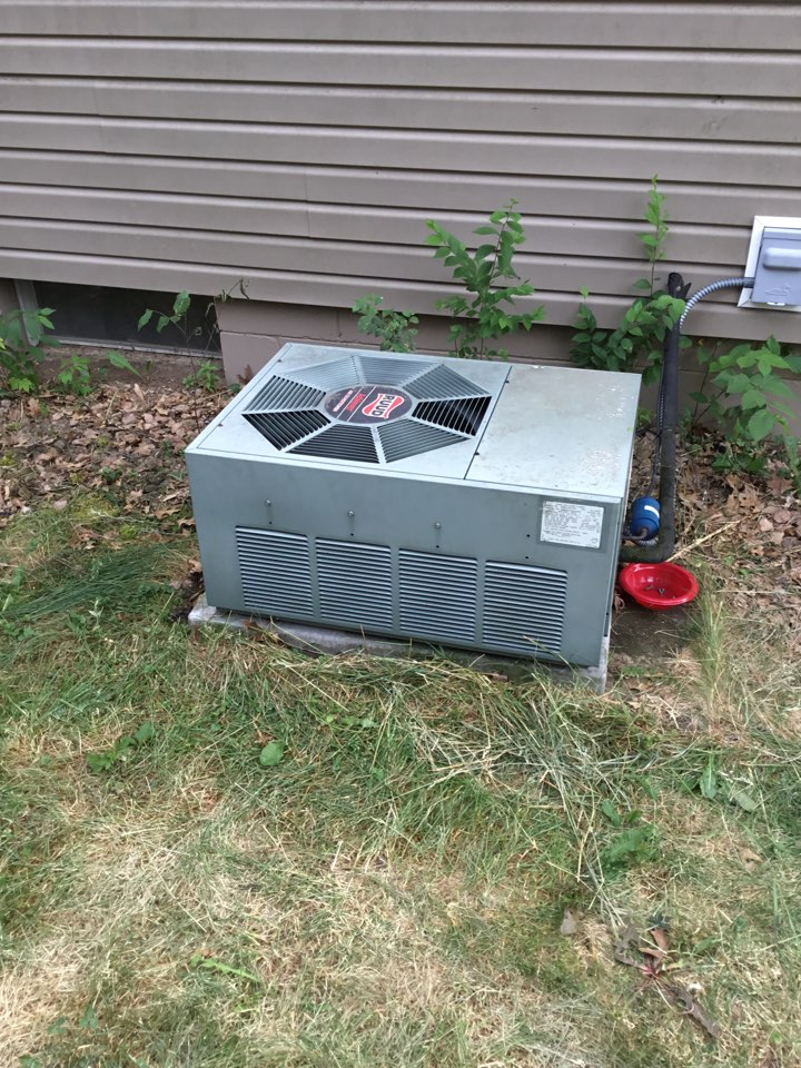 Elk River, MN - No cooling call. Added leak seal and charged AC with R22