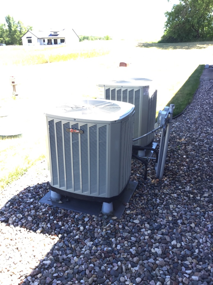 Buffalo, MN - No cooling call. Found high voltage not making good connection in Ac, fixed and checked operation.
