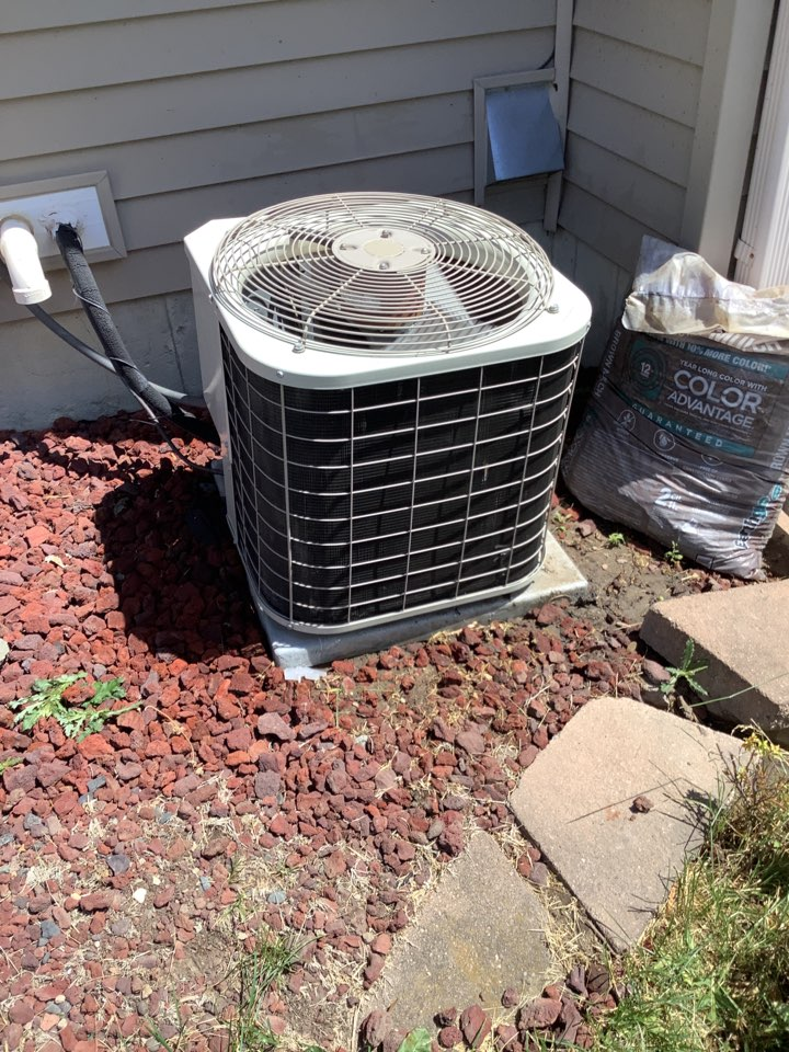 Albertville, MN - Air conditioner tune up. AC tune up on a Bryant air conditioner