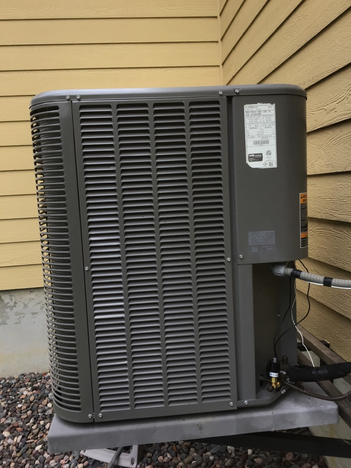 Plymouth, MN - Replaced a defective high pressure cutout on a Lennox Ac.
