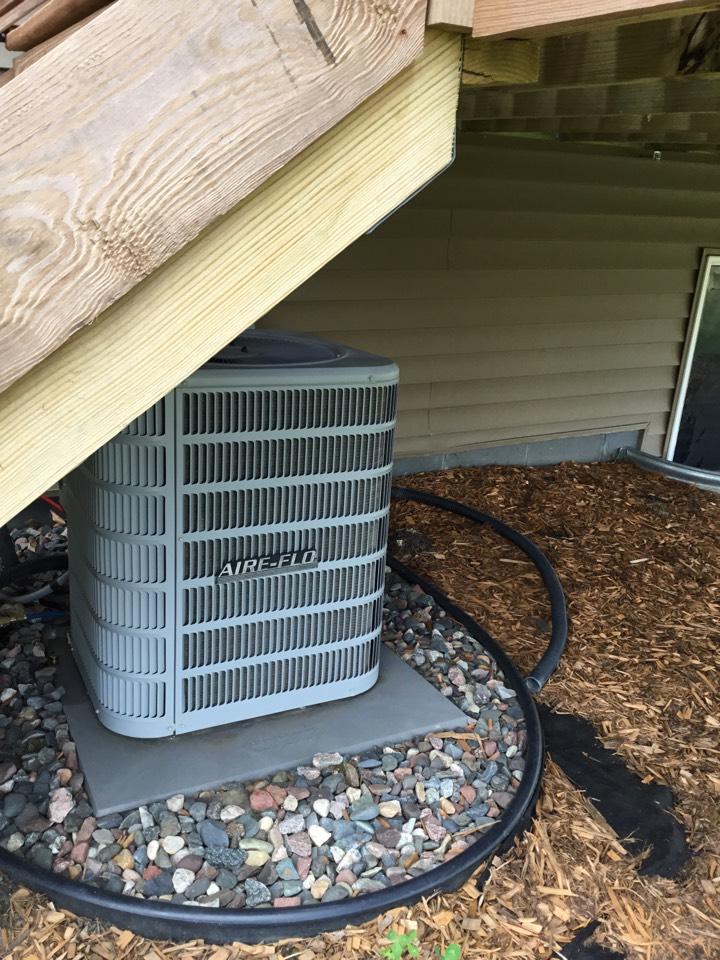 Hanover, MN - Performed leak search on AC.