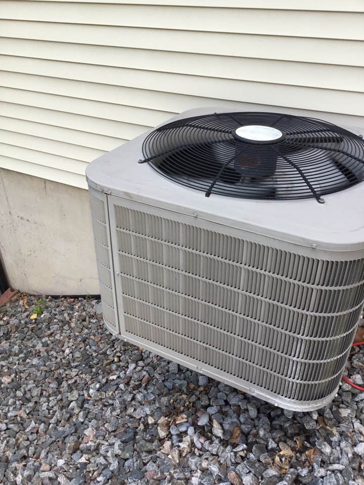 Osseo, MN - No cooling call, found AC low on refrigerant and added leak seal and balanced charge.