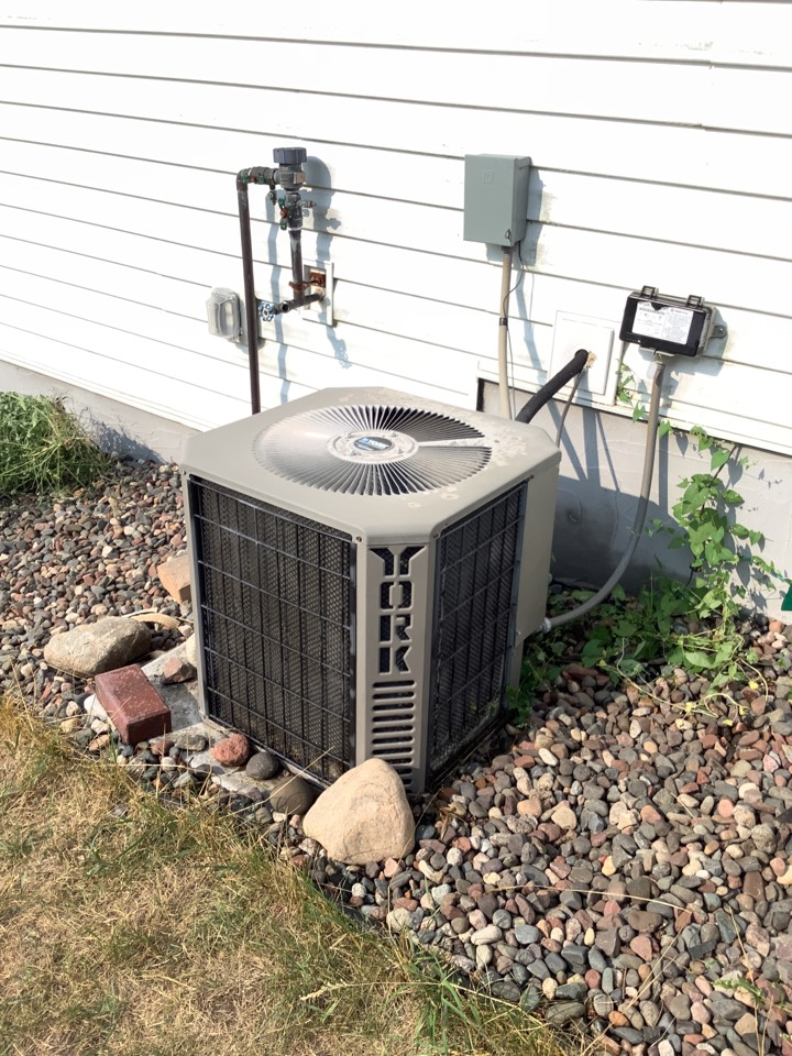 Big Lake, MN - Ac tune up. Performed an air conditioner tune up on a York air conditioner