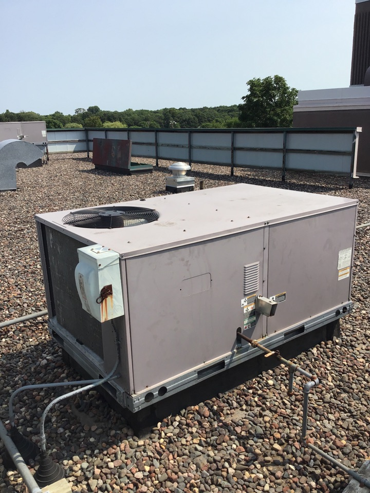 Dayton, MN - I diagnosed a failed blower motor on a Carrier rooftop unit