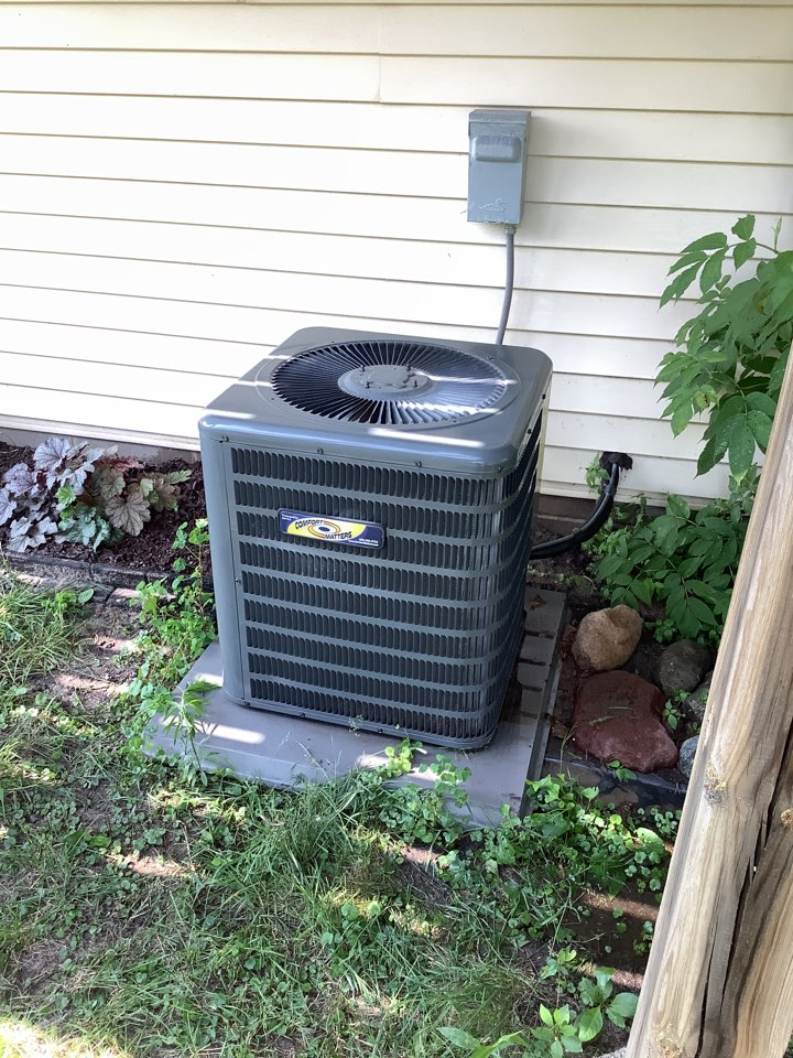Ramsey, MN - Ac tuneup. Air conditioning precision tune up on a Comfort Matters Goodman system