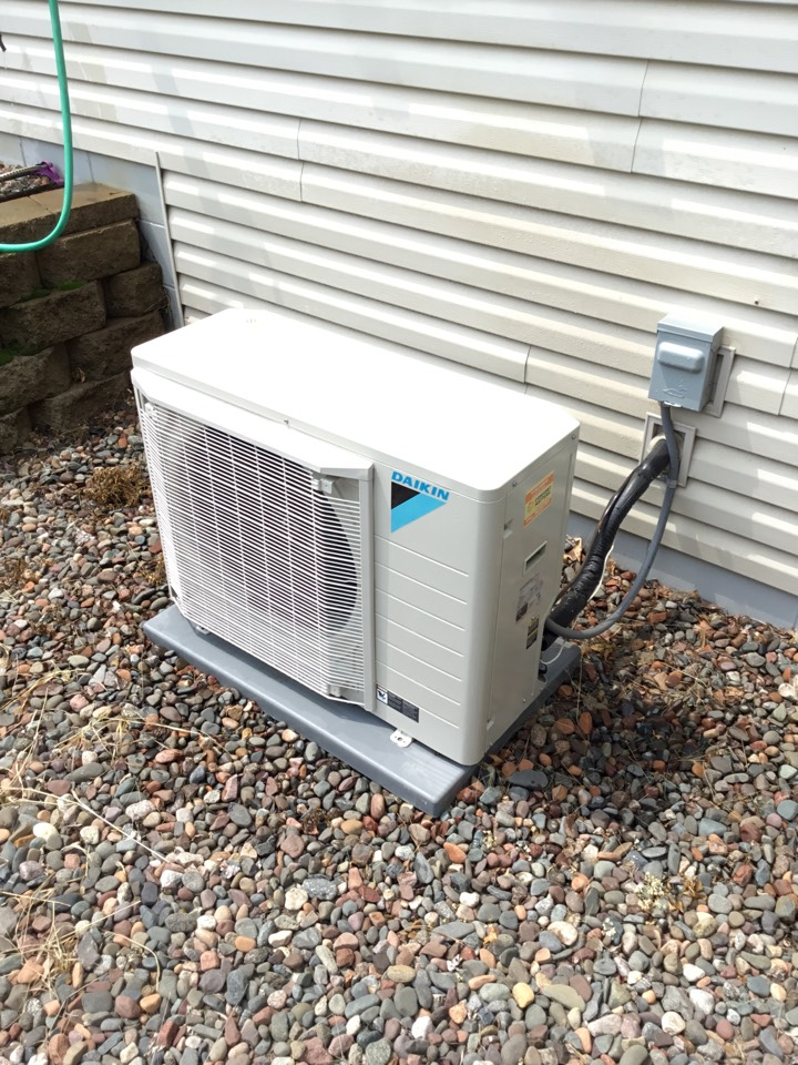 Andover, MN - Ac tune up, performed maintenance on Daikin air conditioner.