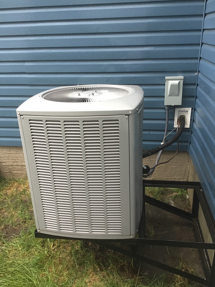Brooklyn Park, MN - Performed a cleaning and tune up