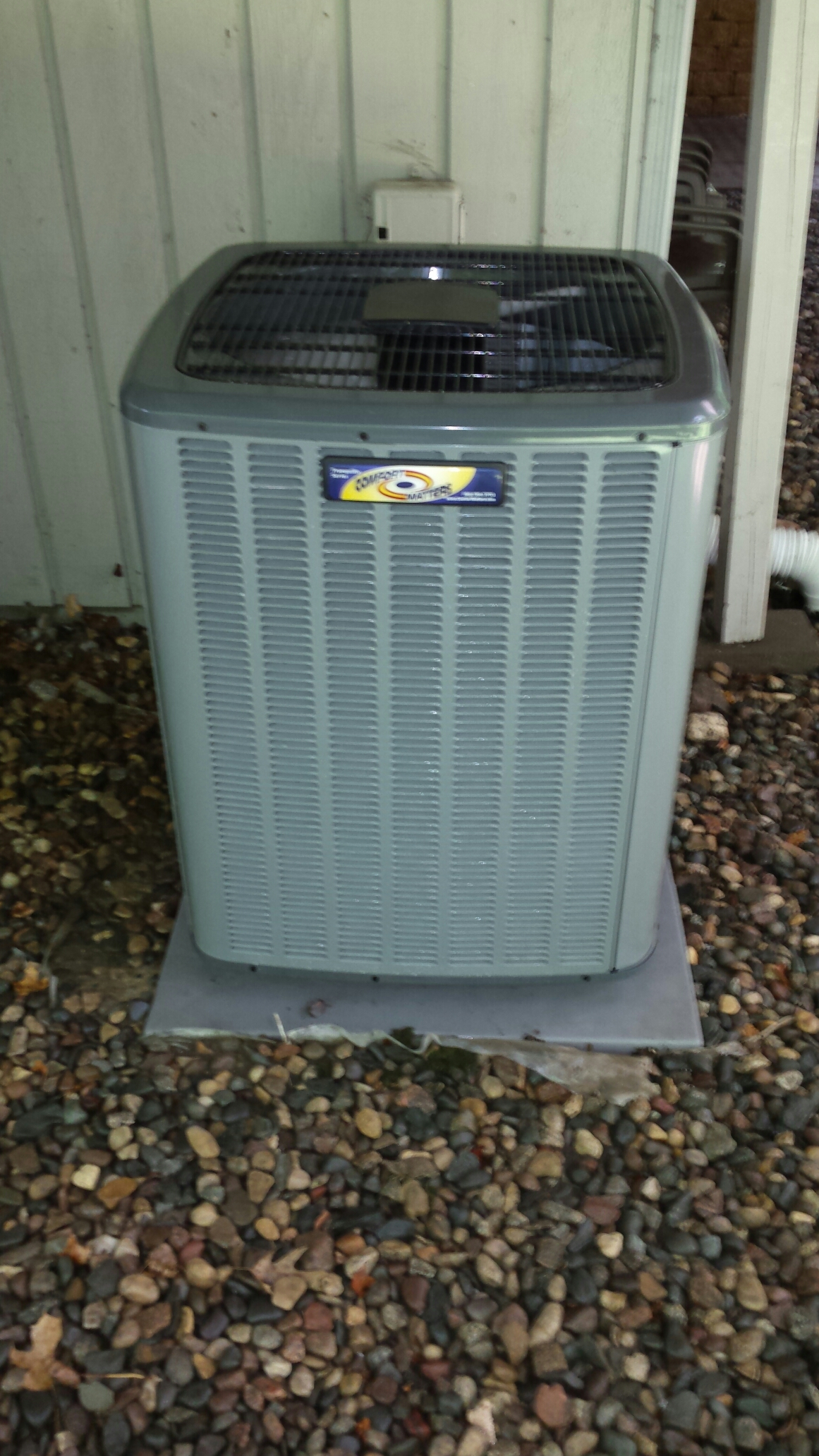 Independence, MN - Air conditioning maintenance cleaning on tune up on a Comfort Matters air conditioner