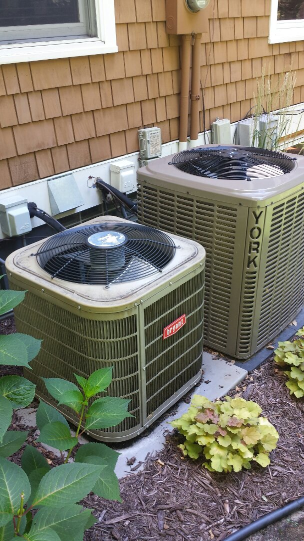 Wayzata, MN - Cooling service. Performed a cleaning and tune up on a Bryant AC and a York air conditioner. Also replaced a motor booster and diagnosed a bad TXV.