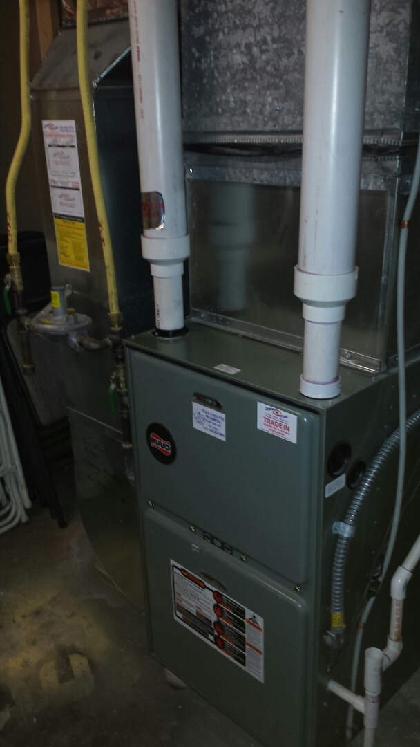 Monticello, MN - Furnace maintenance call. Performed tune up and cleaning on Ruud furnace.