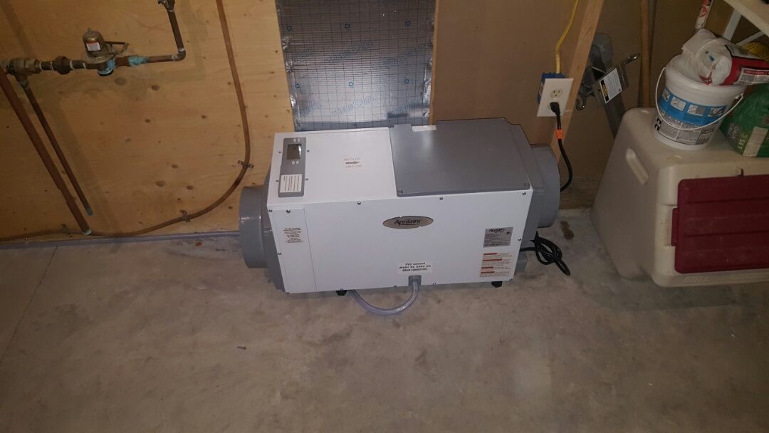 Loretto, MN - Humidifier and Dehumidifier install. Installed a Comfort Matters humidifier and an Aprilaire dehumidifier.