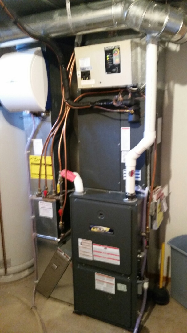 Maple Lake, MN - Furnace Tune up and UV bulb replacement on 95% efficency Goodman furnace in Maple Lake.