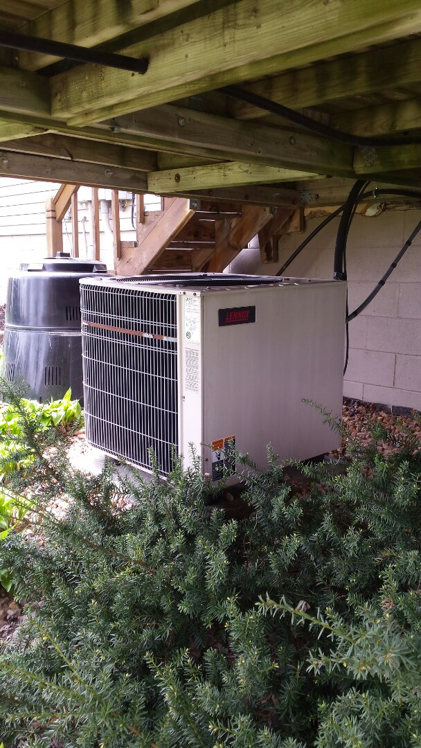 Watertown, MN - Air conditioner cleaning and tune up on a Lennox system