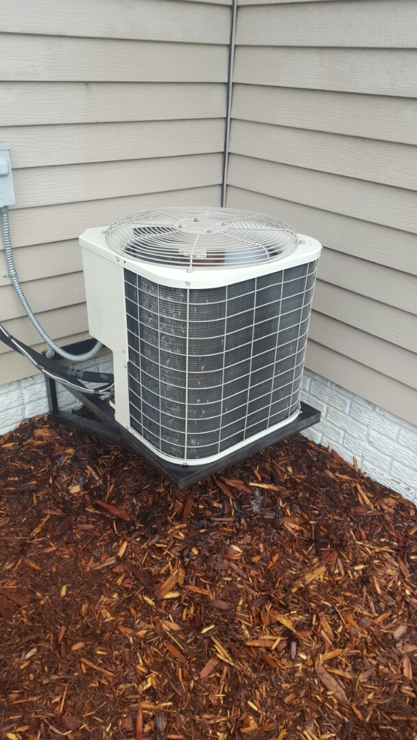 Delano, MN - Air conditioning maintenance. Performed a cleaning and tune up on a Bryant AC.