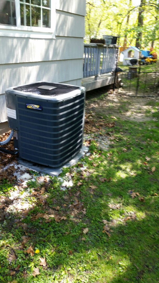 Hopkins, MN - A/C tune up on 13 seer Goodman unit in Minnetonka