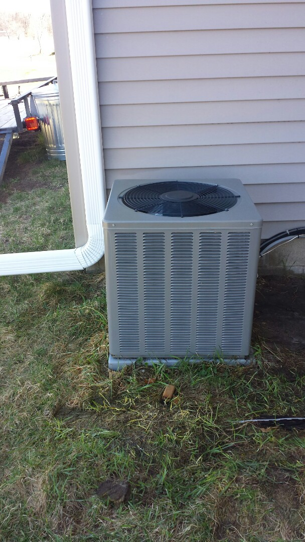 Minneapolis, MN - Air conditioner service called. Replaced faulty motor starter on air conditioning unit