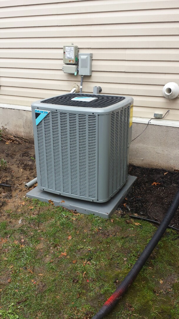 Champlin, MN - Spring maintenance call. Performed tune up and cleaning on Daikin air conditioner