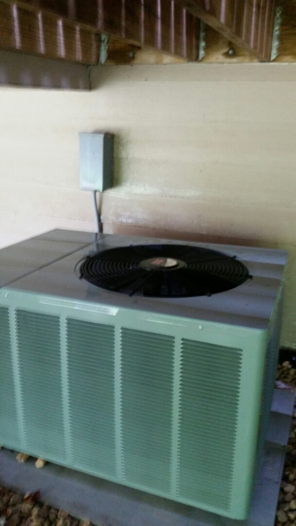 Rockford, MN - A/C maintenance on Rheem unit in Rockford
