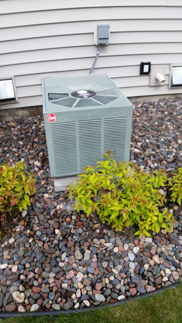 Saint Michael, MN - Cleaned evaporator coil and condenser on Rheem unit in St. Michael to return cooling operation.